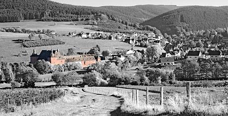 Adolfsburg Oberhundem. Foto © Dietrich Hackenberg